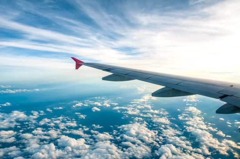 How to Find Cheap Flights and Travel the World